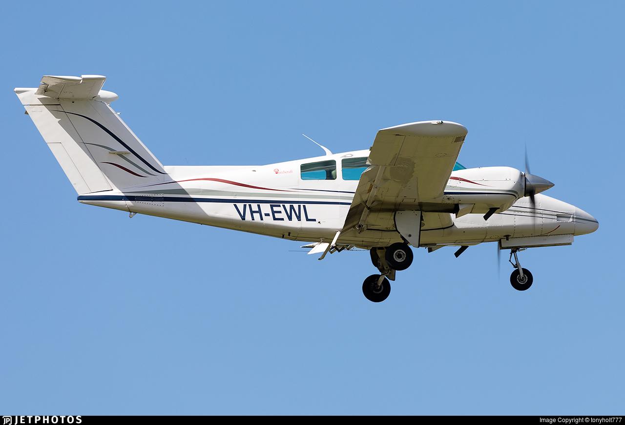 VH-EWL - Beechcraft 76 Duchess - Private