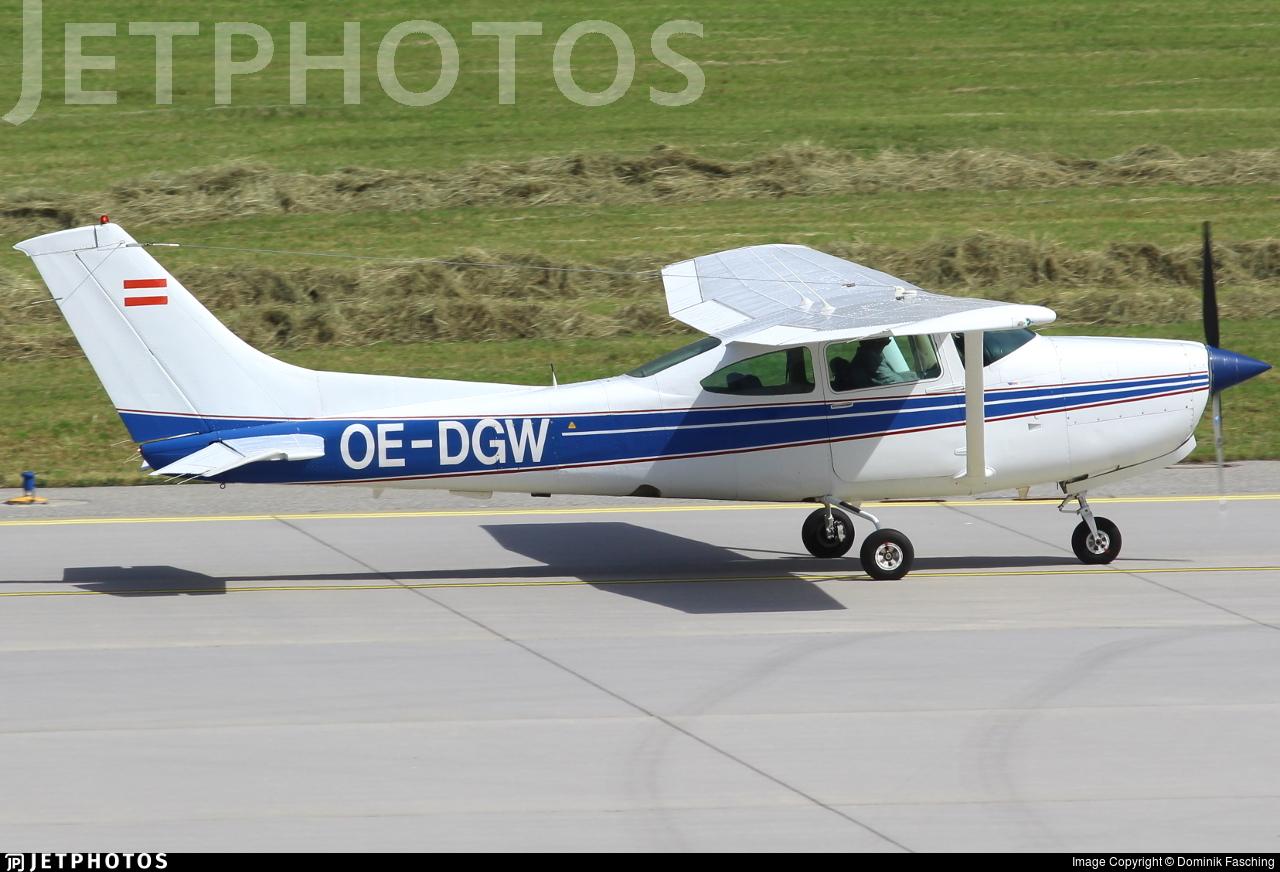 OE-DGW - Cessna TR182 Turbo Skylane RG - Private