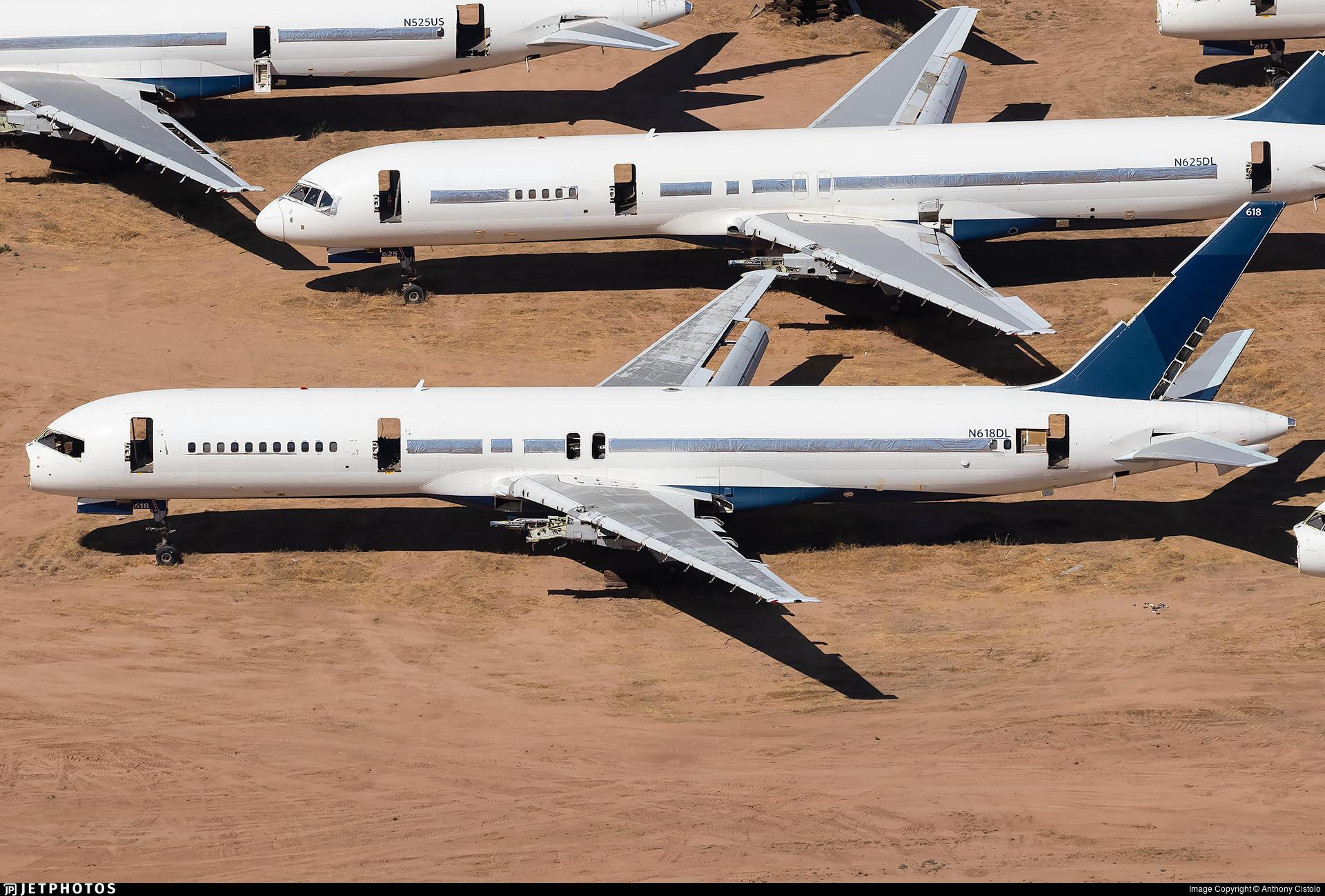 N618DL - Boeing 757-232 - Untitled
