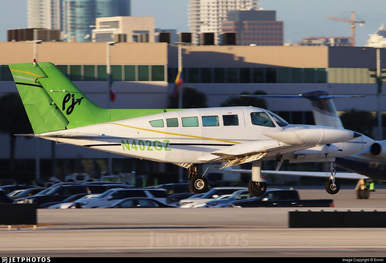 N402GZ - Cessna 402B - Private