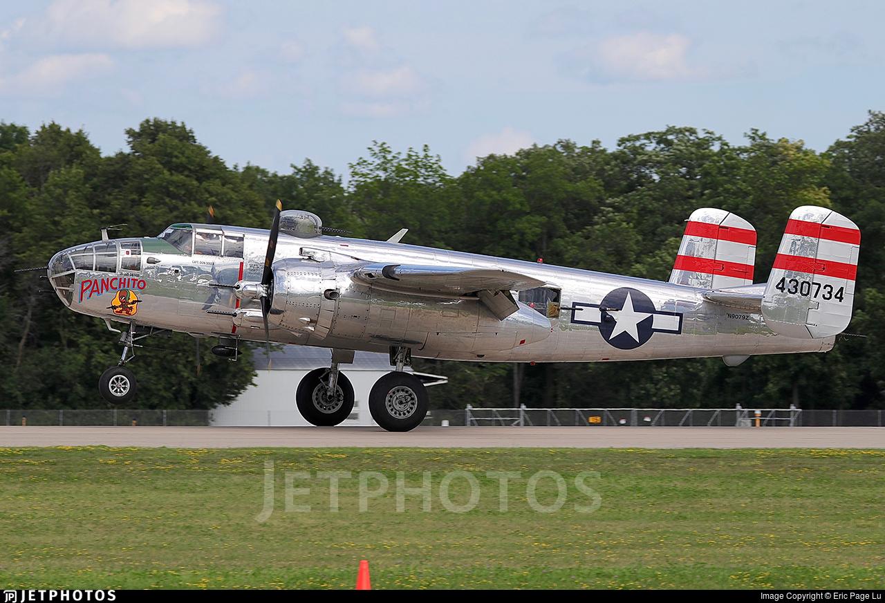 N9079Z - North American TB-25N Mitchell - Rag Wings & Radials
