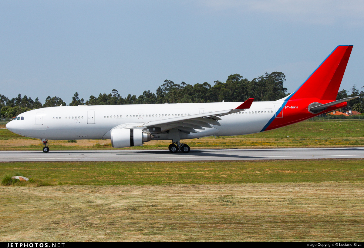 PT-MVH - Airbus A330-203 - Untitled