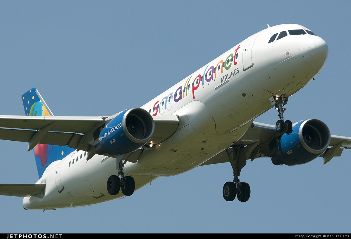 SP-HAF - Airbus A320-214 - Small Planet Airlines Polska