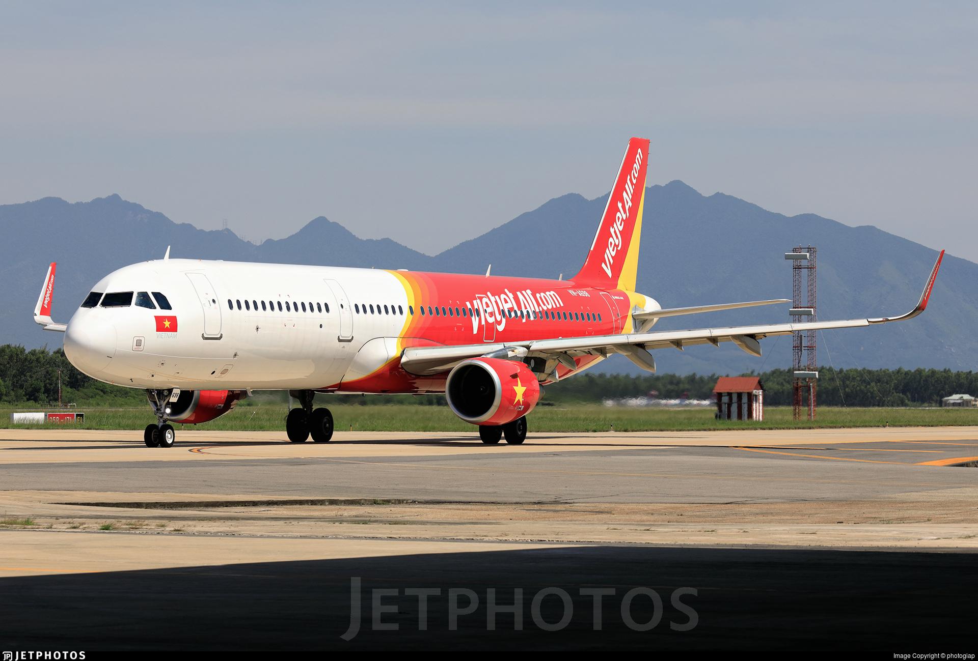 VN-A698 - Airbus A321-211 - VietJet Air