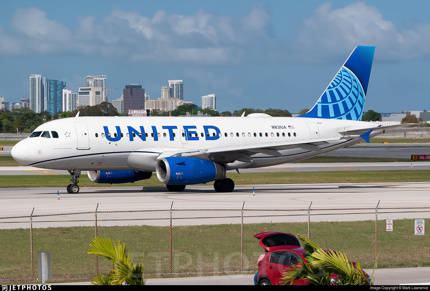 N831UA - Airbus A319-131 - United Airlines