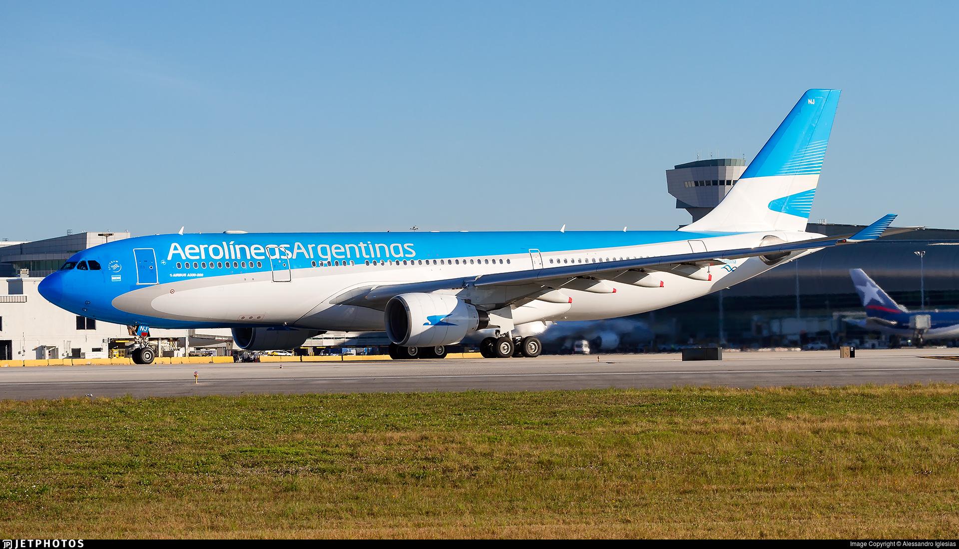 Lv Fnj Airbus A330 223 Aerolineas Argentinas Alessandro