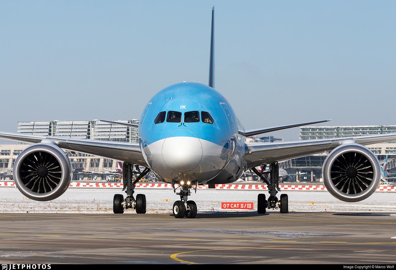 G-TUIK - Boeing 787-9 Dreamliner - TUI