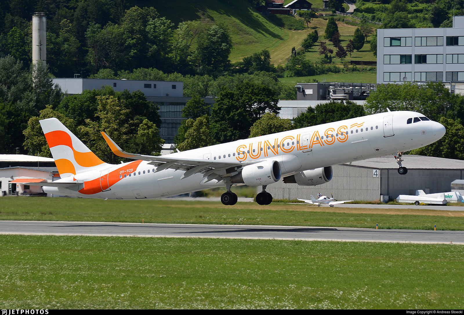OY-TCD - Airbus A321-211 - Sunclass Airlines