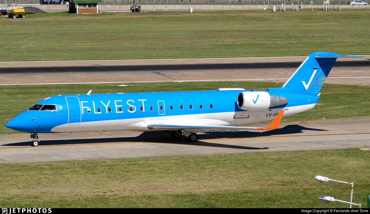 LV-GIJ - Bombardier CRJ-200ER - Flyest