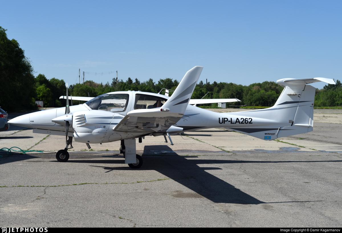 UP-LA262 - Diamond DA-42 Twin Star - Aeroprakt.kz