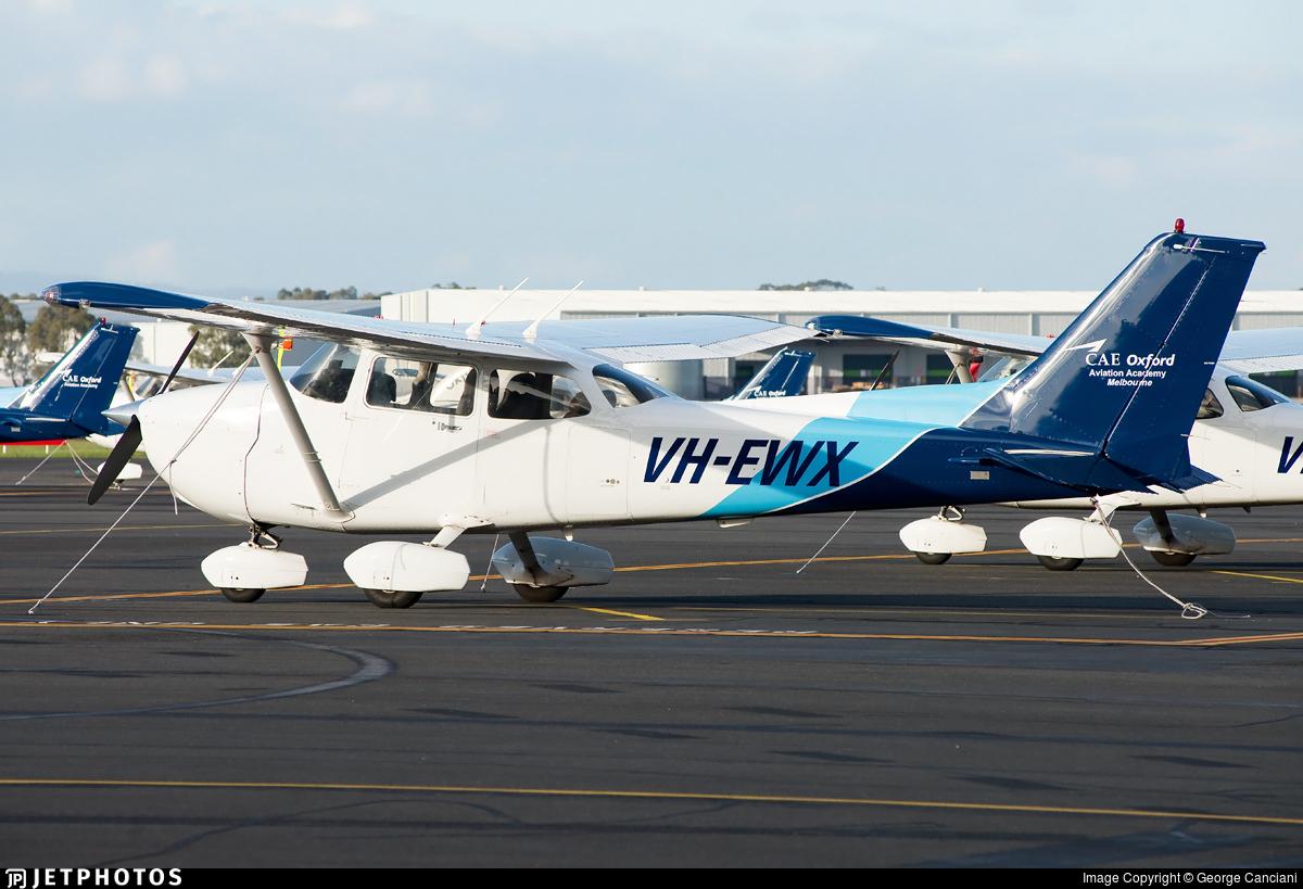 VH-EWX - Cessna 172S Skyhawk SP - CAE Oxford Aviation Academy