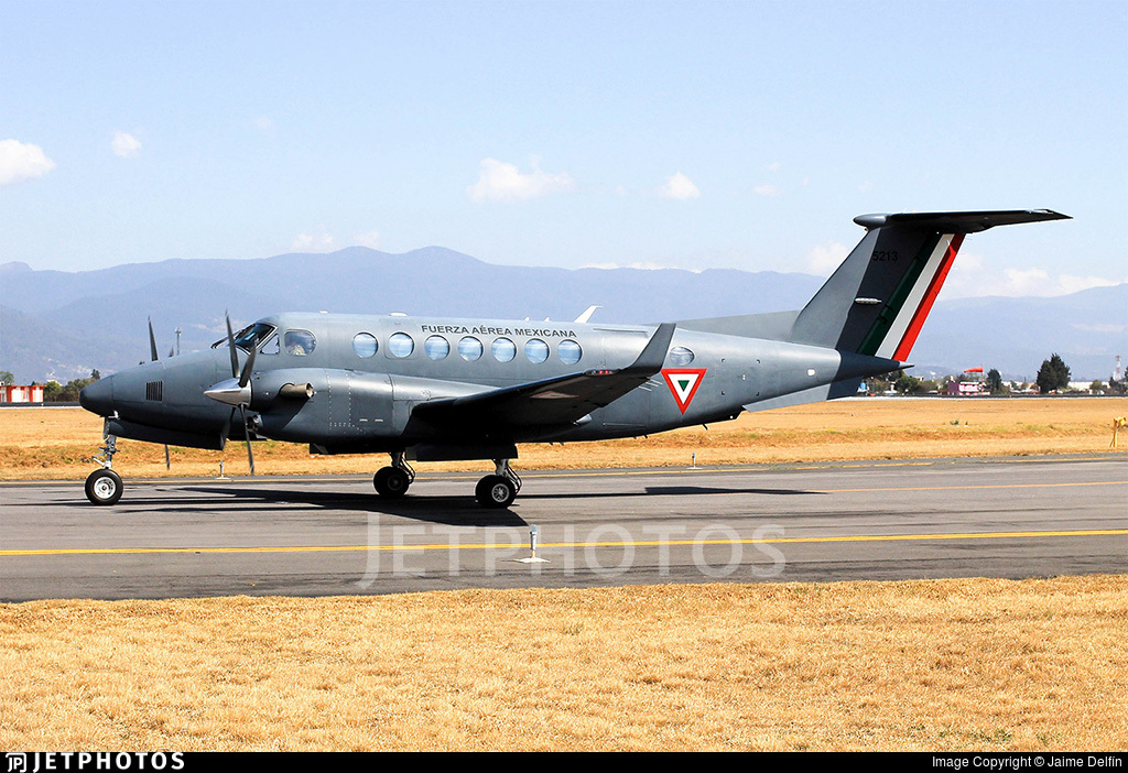 5213 - Beechcraft B300 King Air 350i - Mexico - Air Force