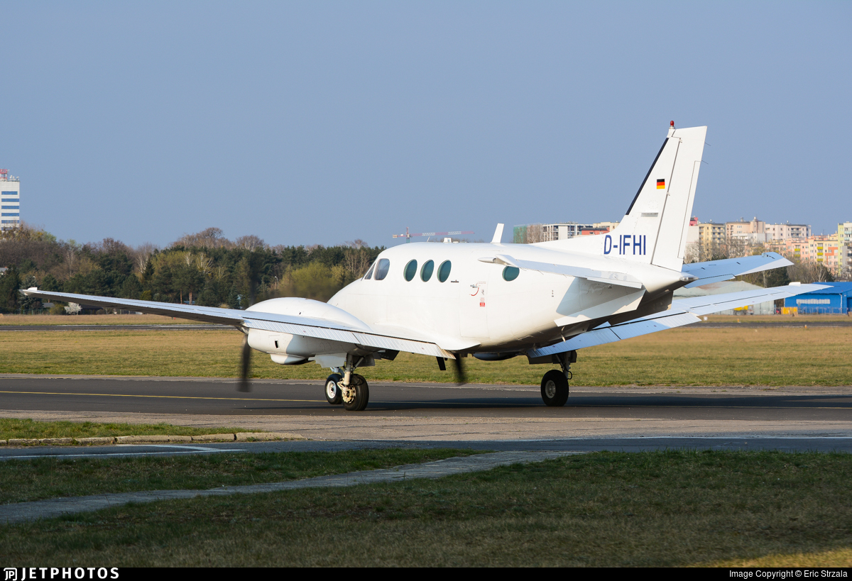 D-IFHI - Beechcraft C90 King Air - Private