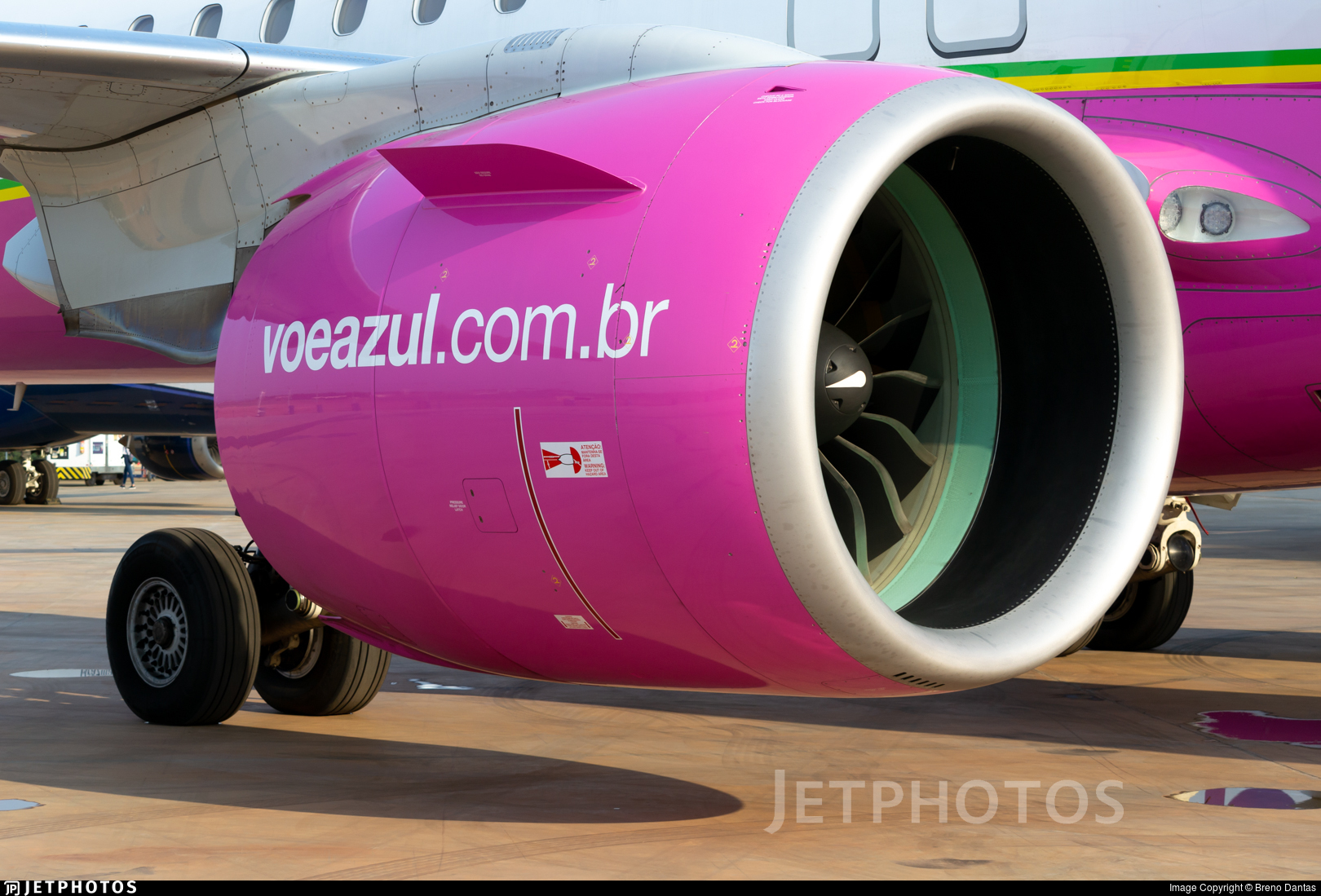 PS-AEA - Embraer 190-400STD - Azul Linhas Aéreas Brasileiras