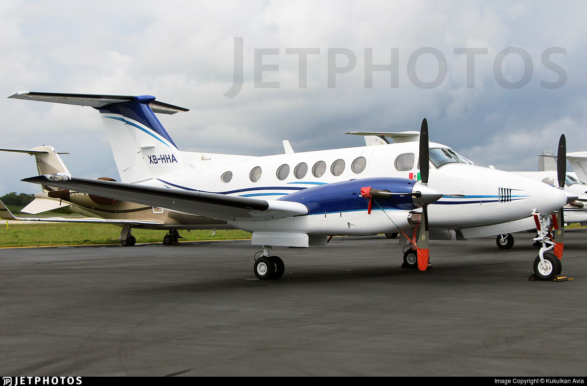 XB-HHA - Beechcraft 300 Super King Air - Private