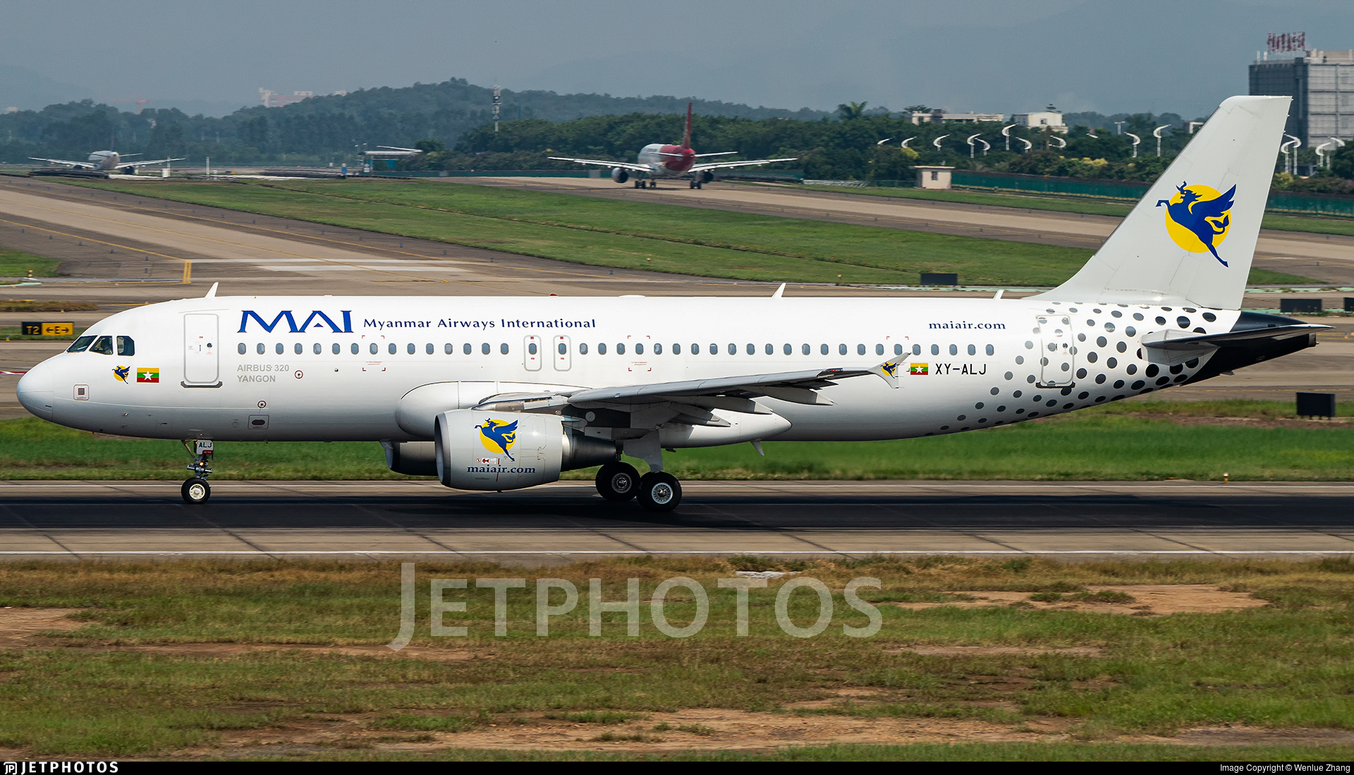 XY-ALJ - Airbus A320-214 - Myanmar Airways International (MAI)