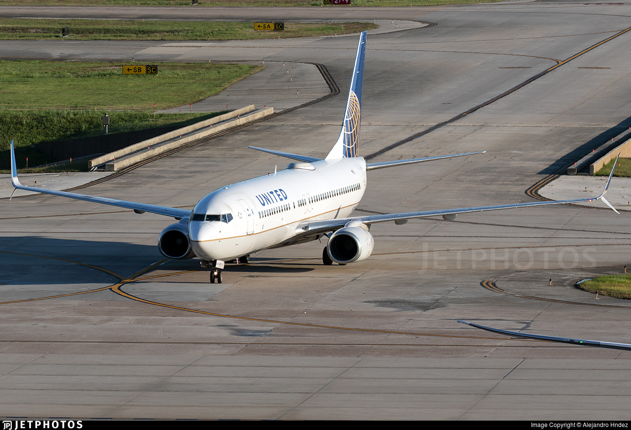 N73291 - Boeing 737-824 - United Airlines