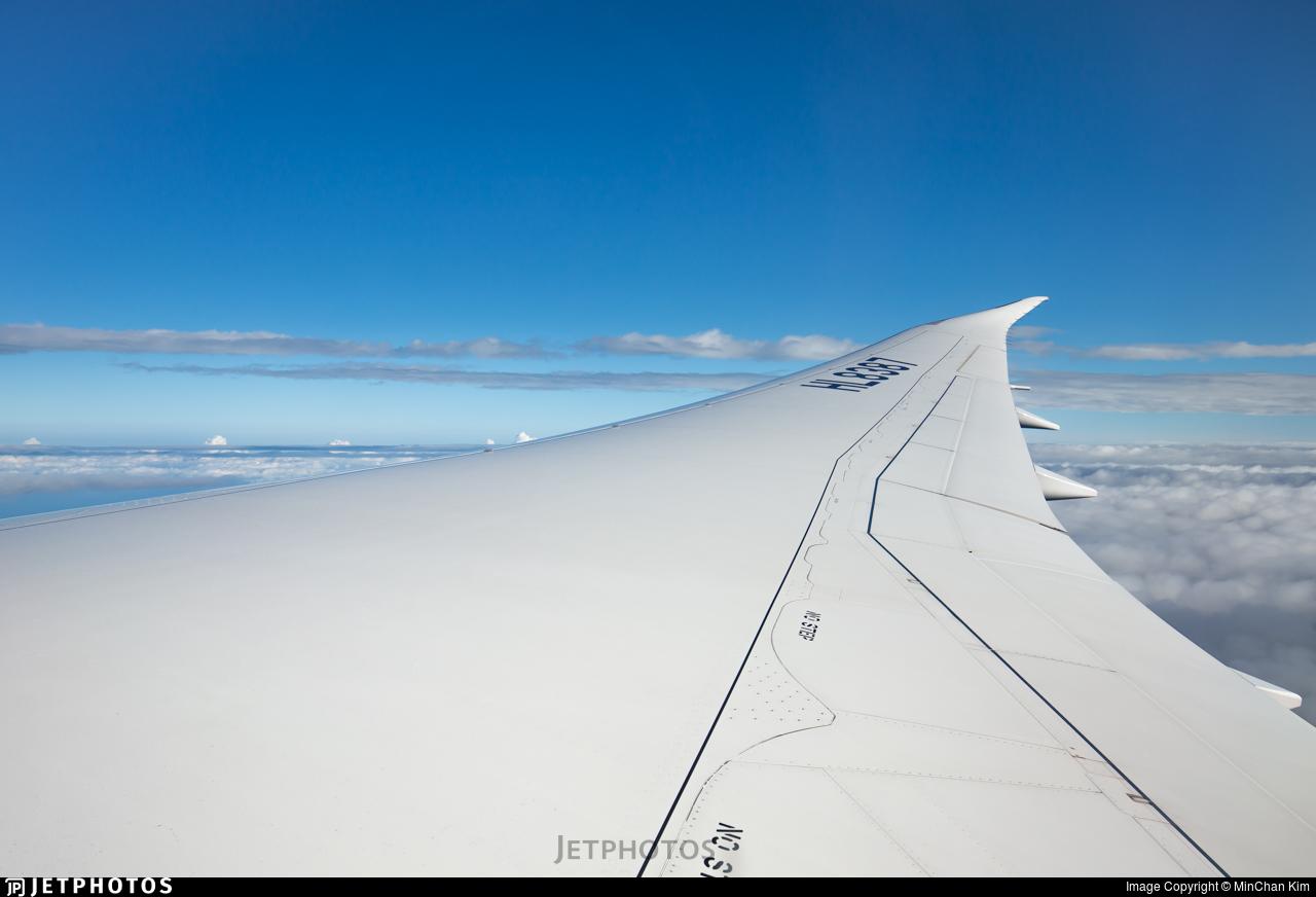 HL8387 - Boeing 787-9 Dreamliner - Air Premia