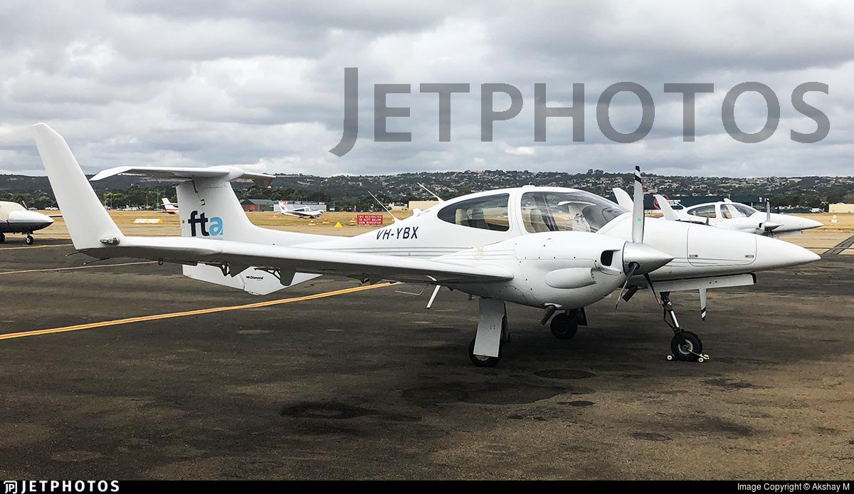 VH-YBX - Diamond DA-42 Twin Star - Flight Training Adelaide