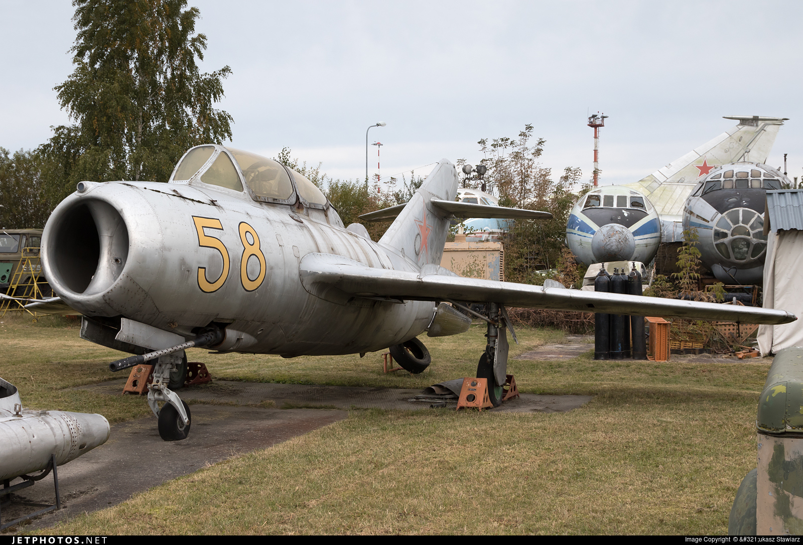 58 - Mikoyan-Gurevich MiG-15 Fagot - Russia - Air Force