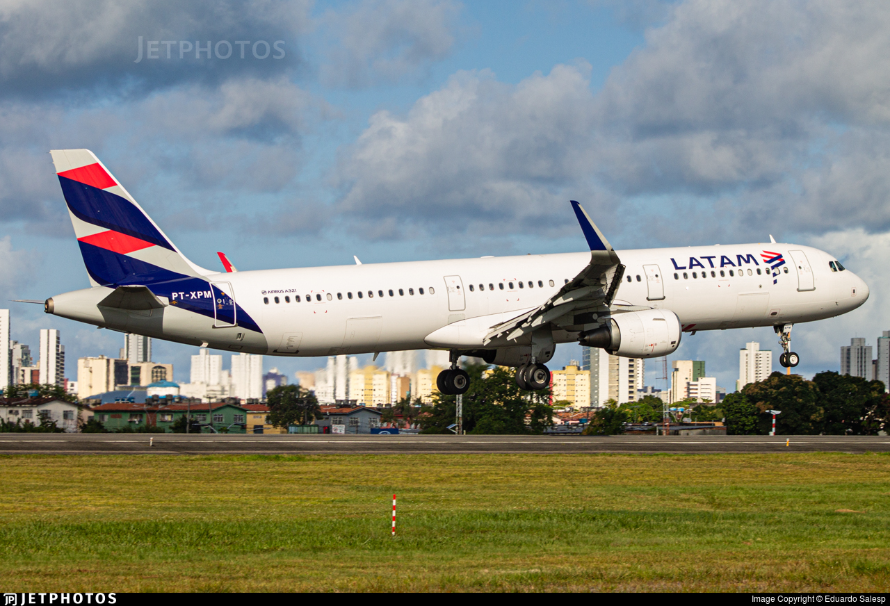 PT-XPM - Airbus A321-211 - LATAM Airlines