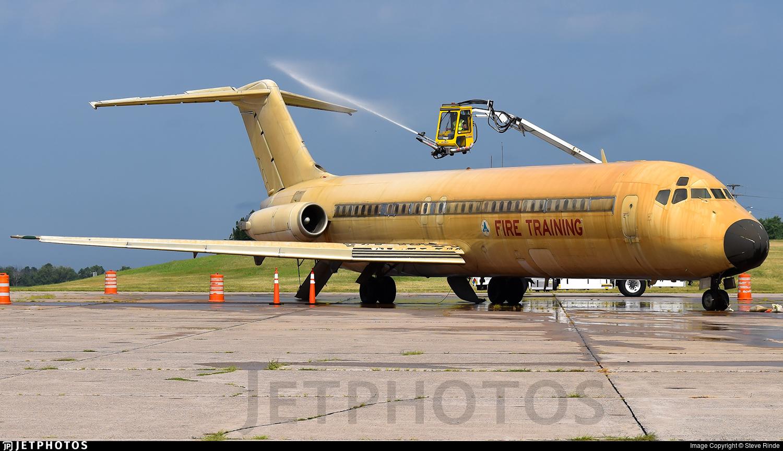 N960N - McDonnell Douglas DC-9-31 - Untitled