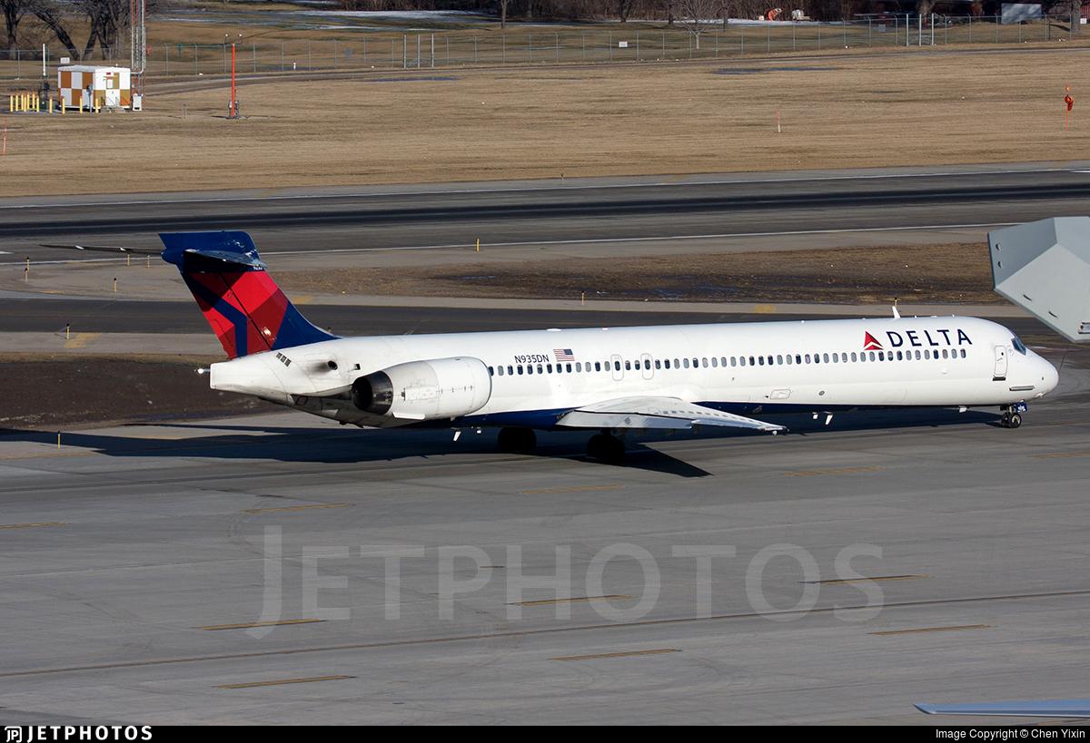 N935DN - McDonnell Douglas MD-90-30 - Delta Air Lines