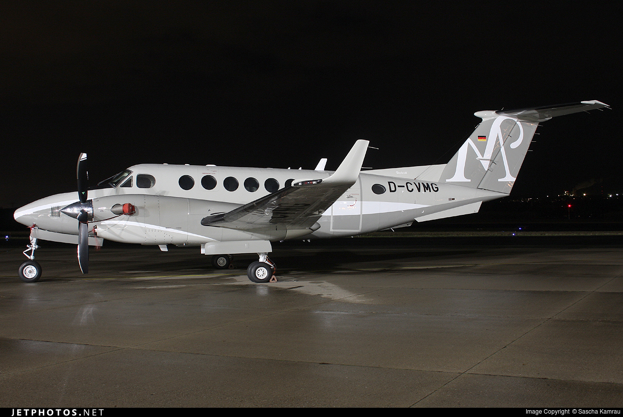 D-CVMG - Beechcraft B300 King Air 350 - Private