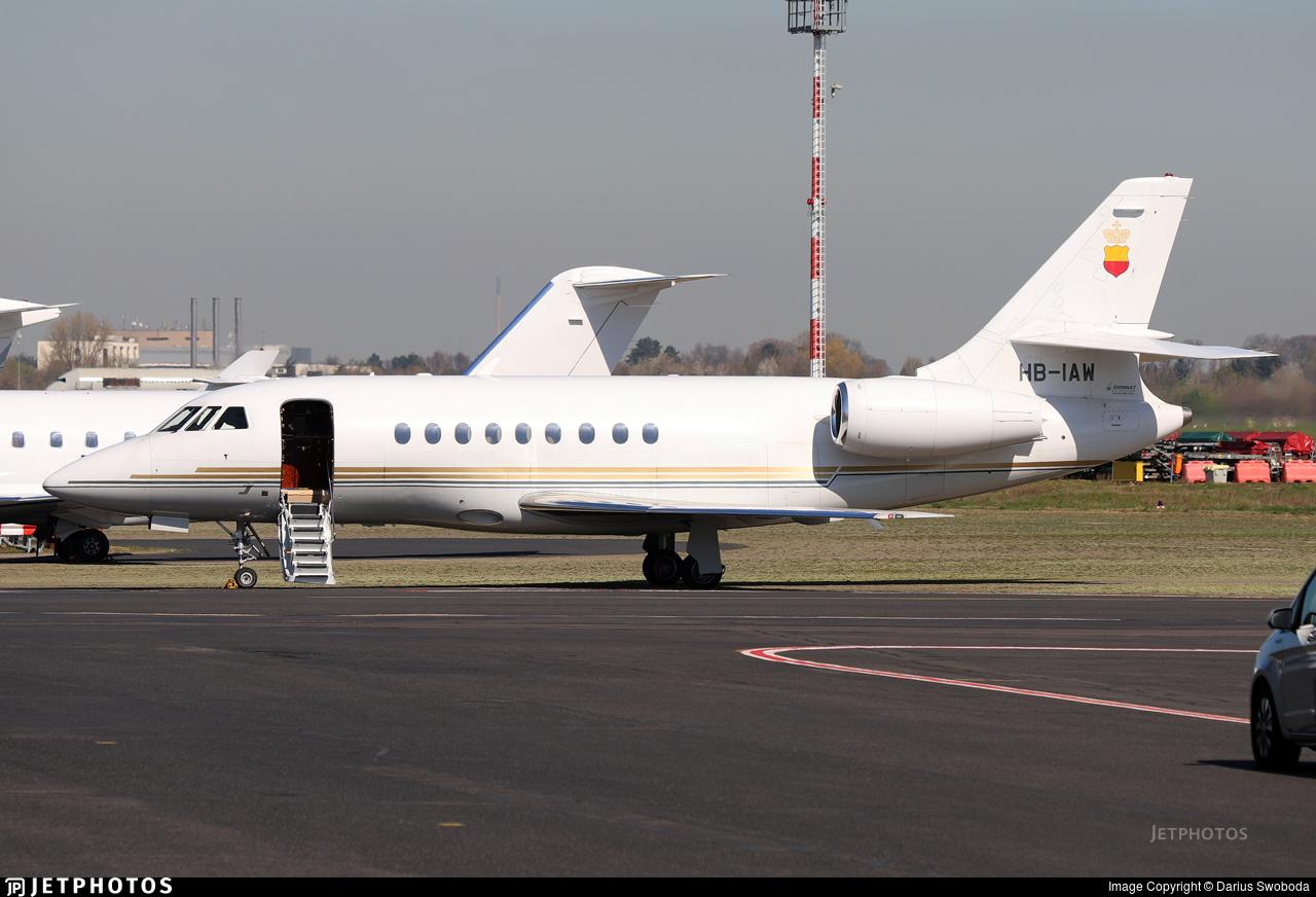 HB-IAW - Dassault Falcon 2000 - Starjet Establishment for Aviation