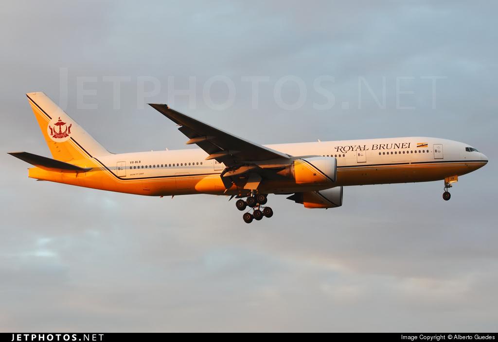 V8-BLB - Boeing 777-212(ER) - Royal Brunei Airlines