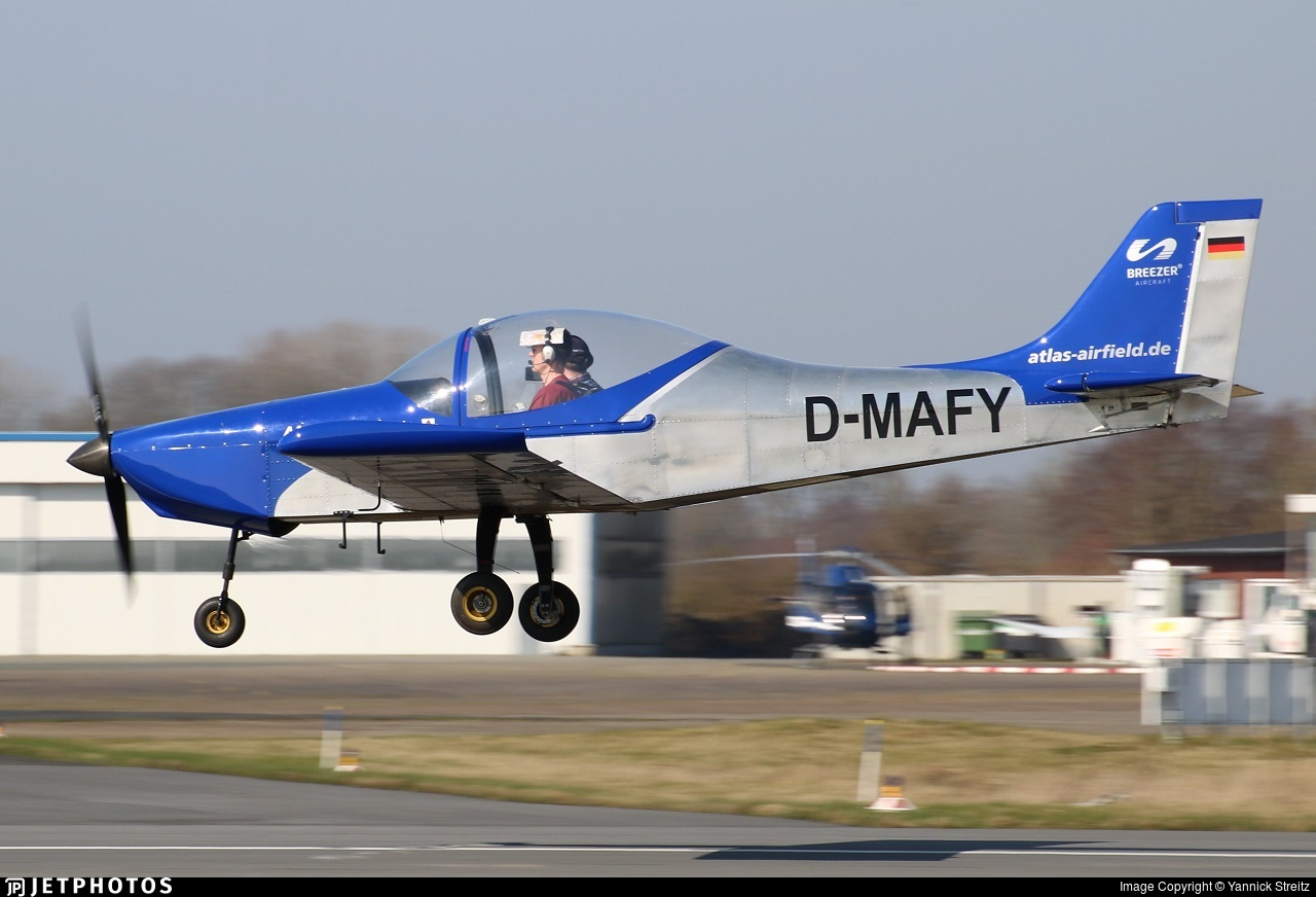 D-MAFY - Aerostyle Breezer - Private