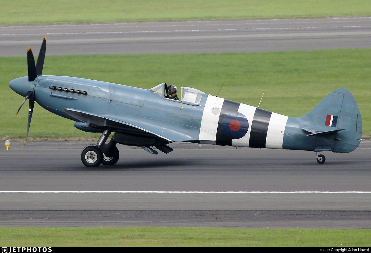 PM631 - Supermarine Spitfire PR.19 - United Kingdom - Battle of Britain Memorial Flight (BBMF)