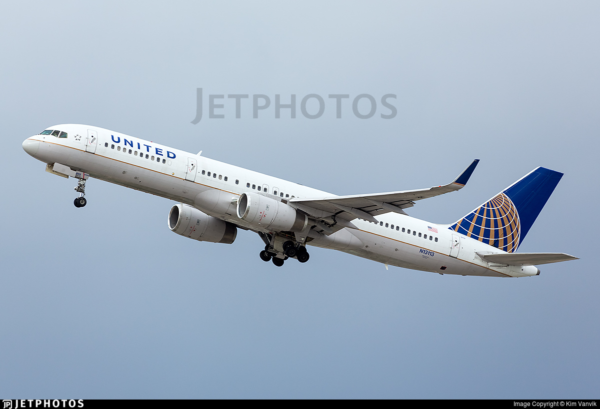 N13113 - Boeing 757-224 - United Airlines