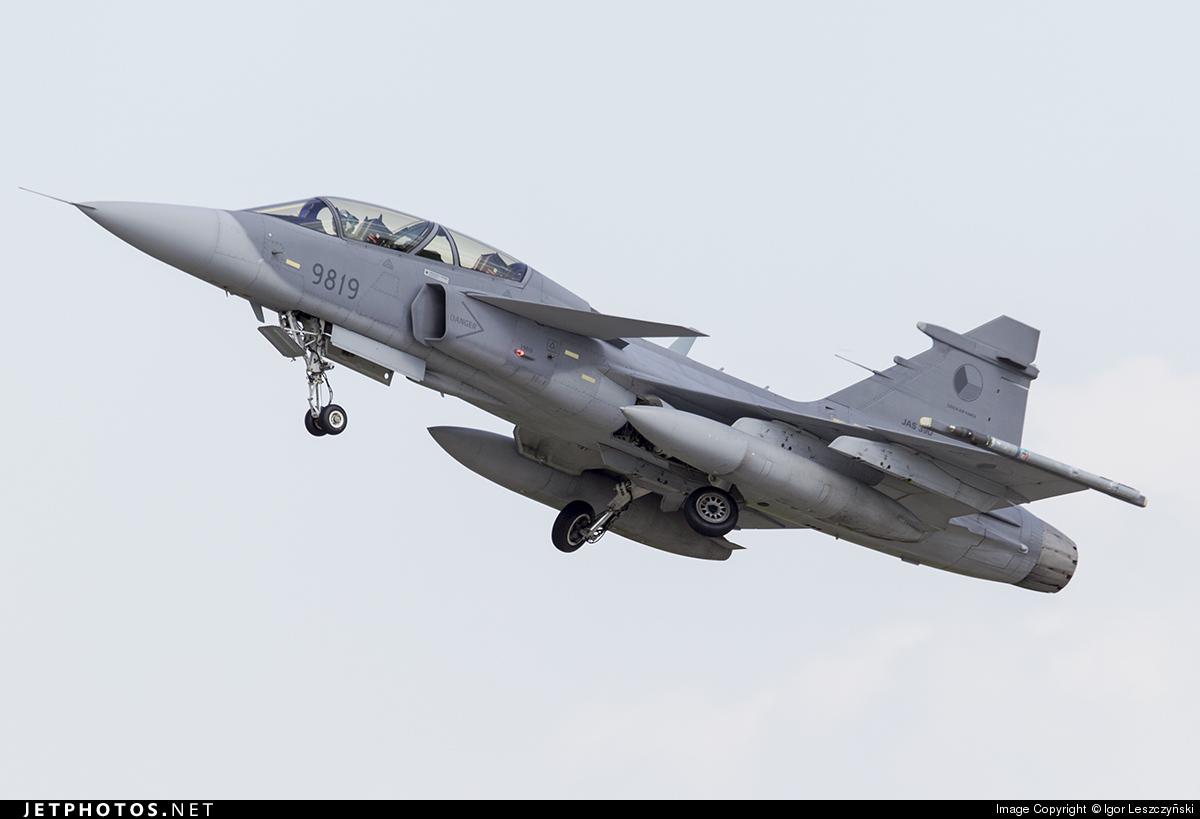 9819 - Saab JAS-39D Gripen - Czech Republic - Air Force