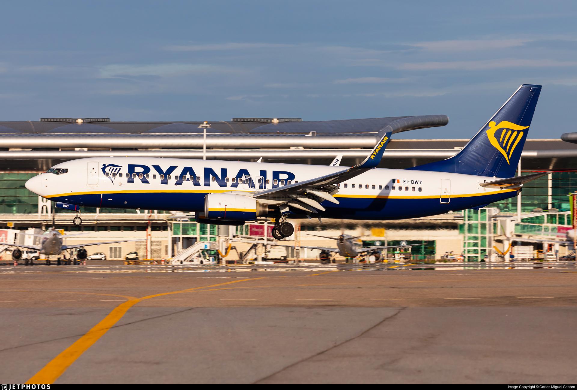 EI-DWY - Boeing 737-8AS - Ryanair