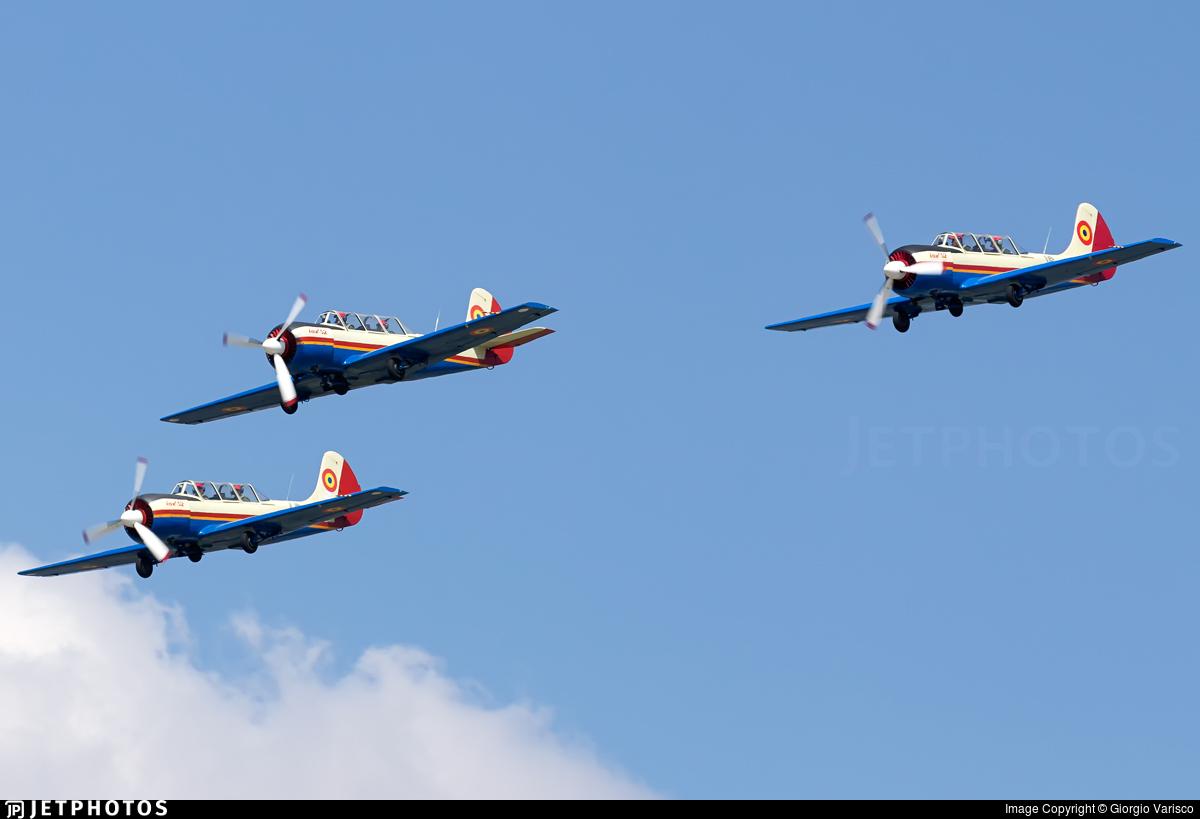 40 - Yakovlev Yak-52 - Romania - Air Force