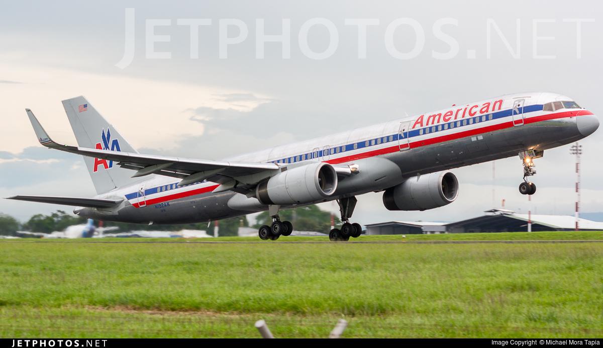 N192an Boeing 757 223 American Airlines Michael Mora