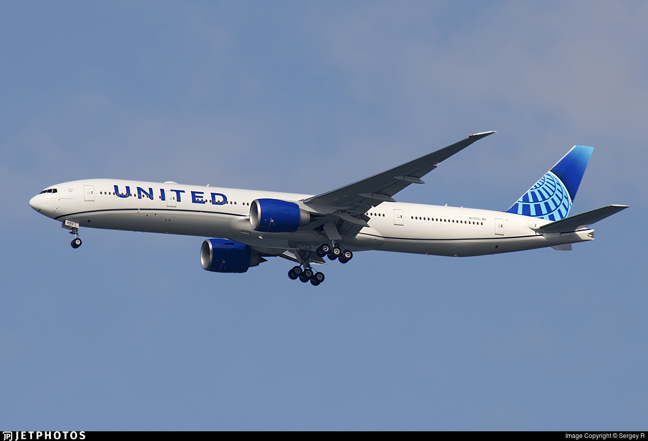 N2352U - Boeing 777-322ER - United Airlines