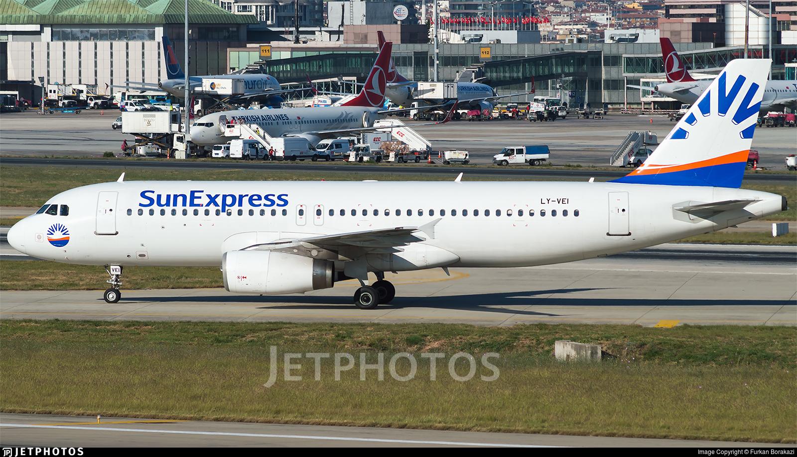 LY-VEI - Airbus A320-233 - SunExpress (Avion Express)