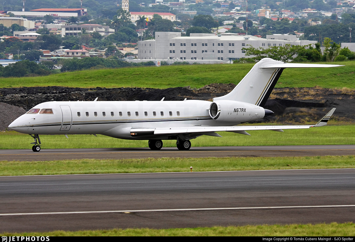 N67RX - Bombardier BD-700-1A10 Global Express - Private