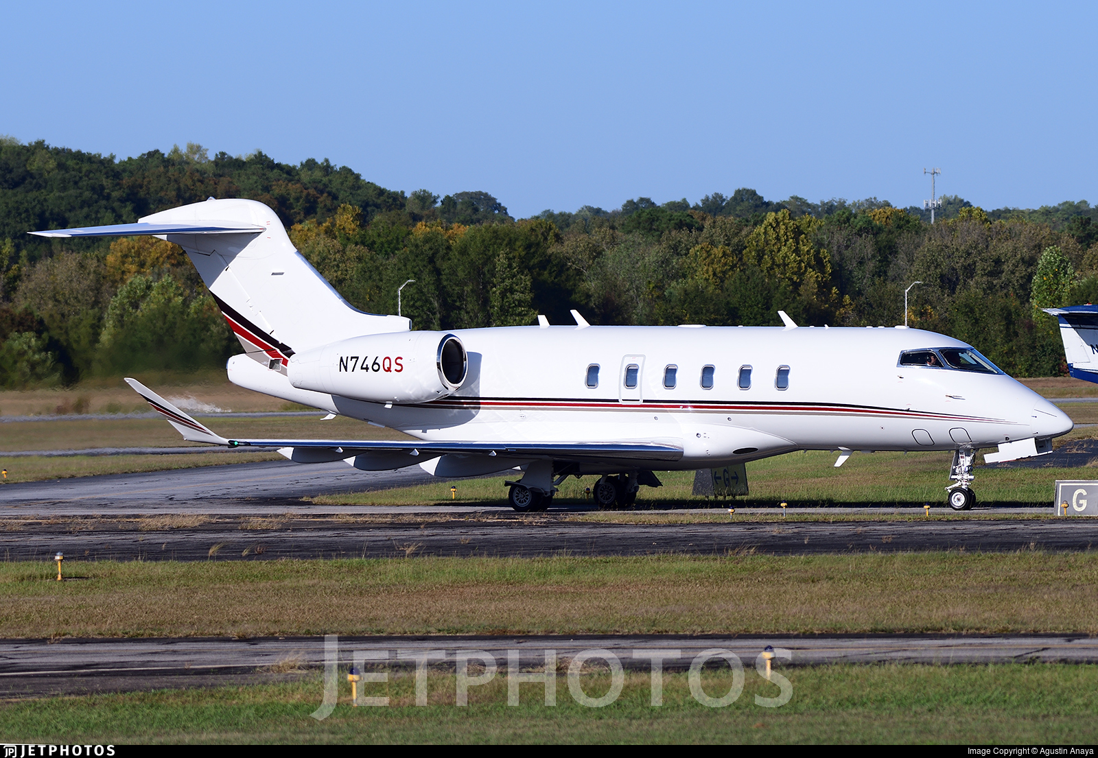 N746QS - Bombardier BD-100-1A10 Challenger 350 - NetJets Aviation