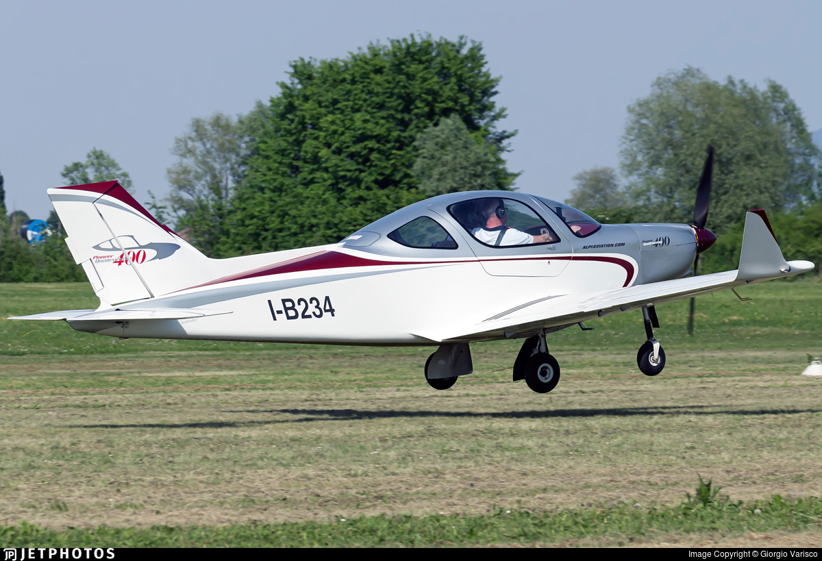 I-B234 - Alpi Pioneer 400 - Private