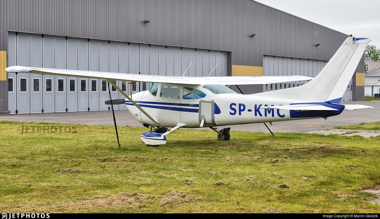 SP-KMC - Cessna 182Q Skylane - Private