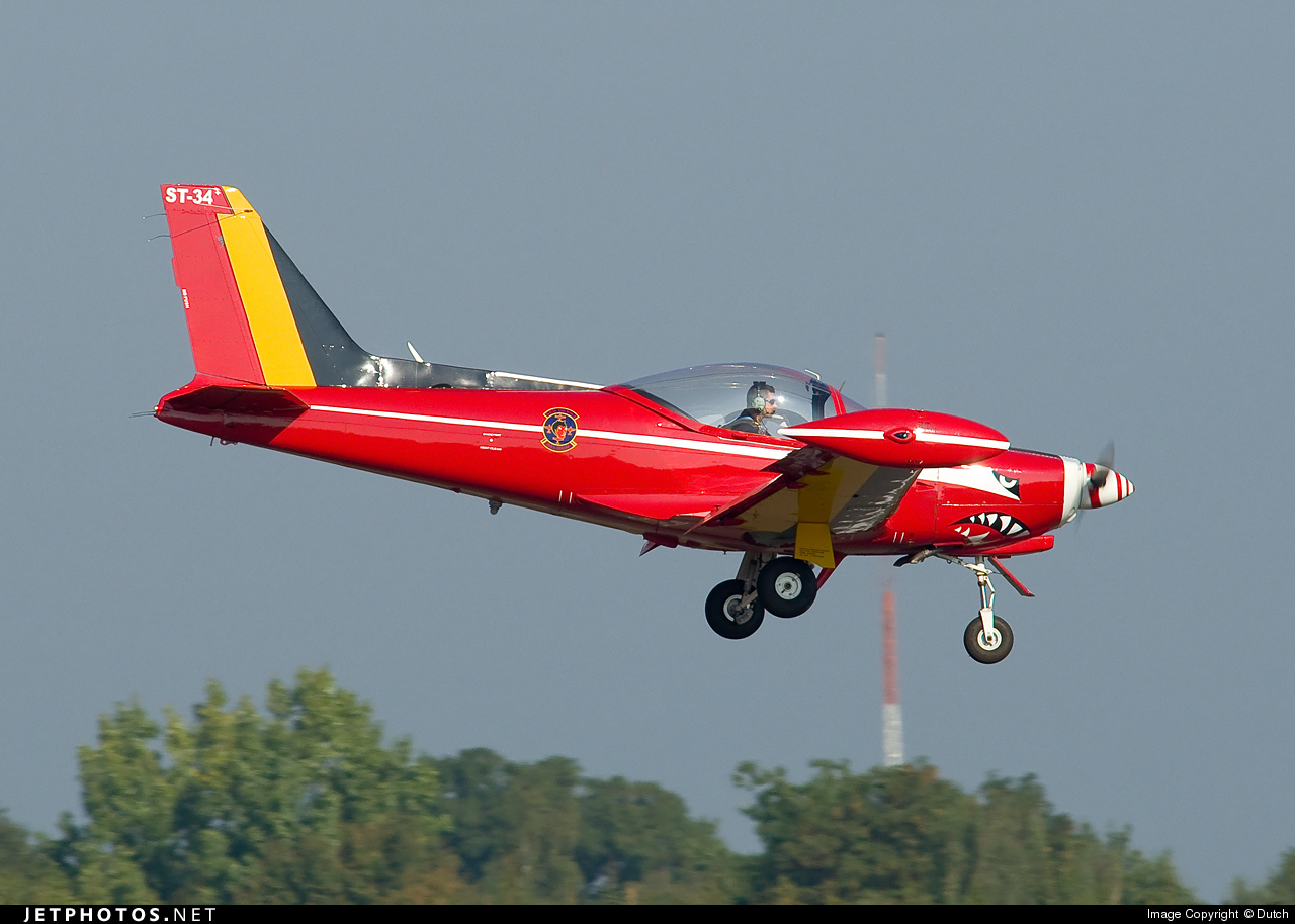 ST-34 - SIAI-Marchetti SF260M - Belgium - Air Force