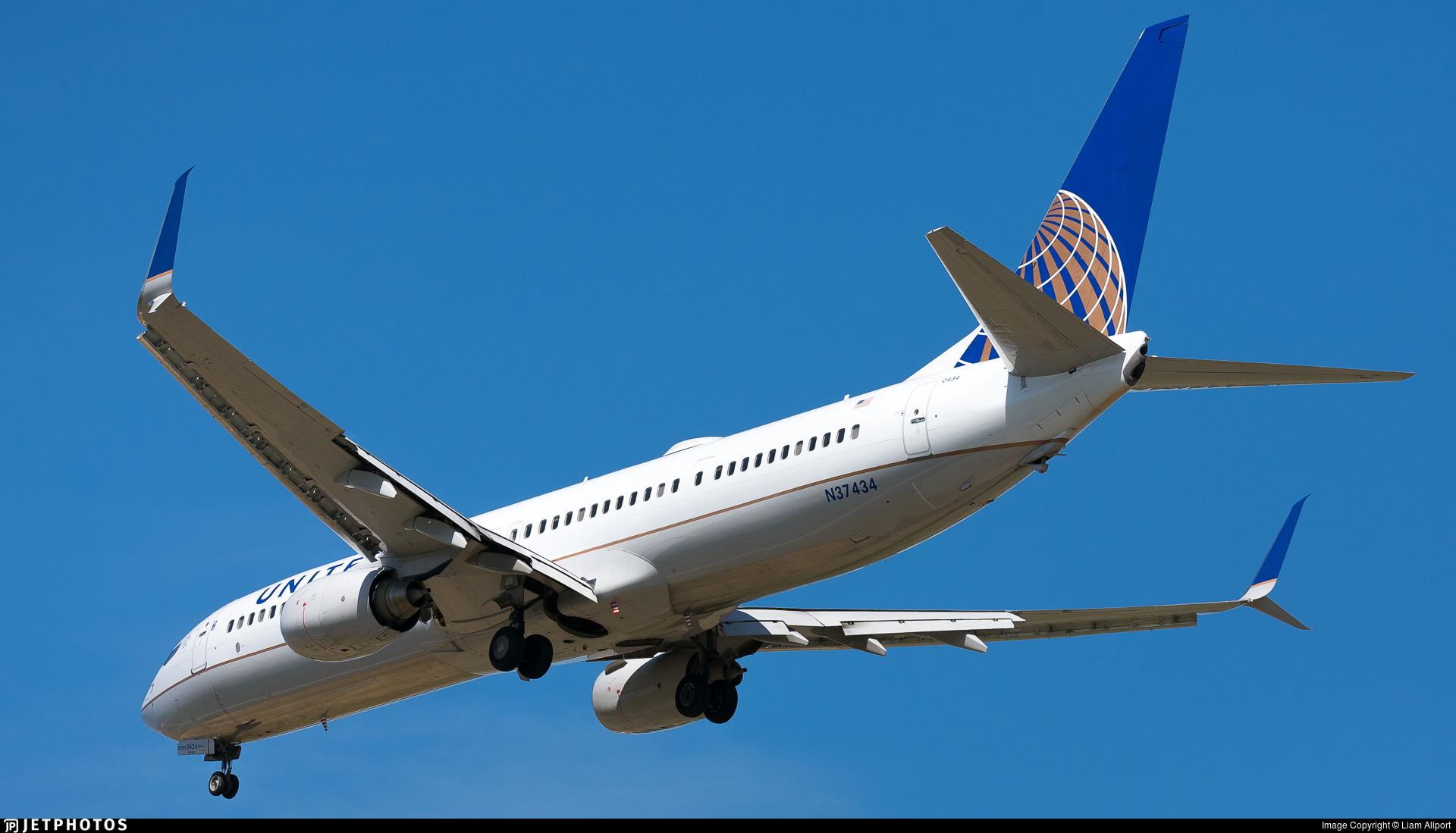 N37434 - Boeing 737-924ER - United Airlines
