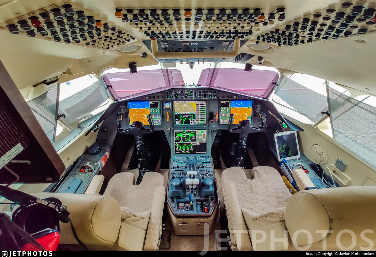 B-MAZ - Dassault Falcon 2000LX - Macau Jet International