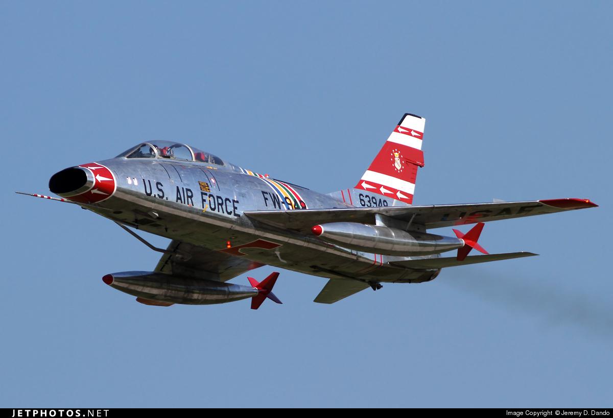 N2011V | North American F-100F Super Sabre | Private | Jeremy D. Dando | JetPhotos