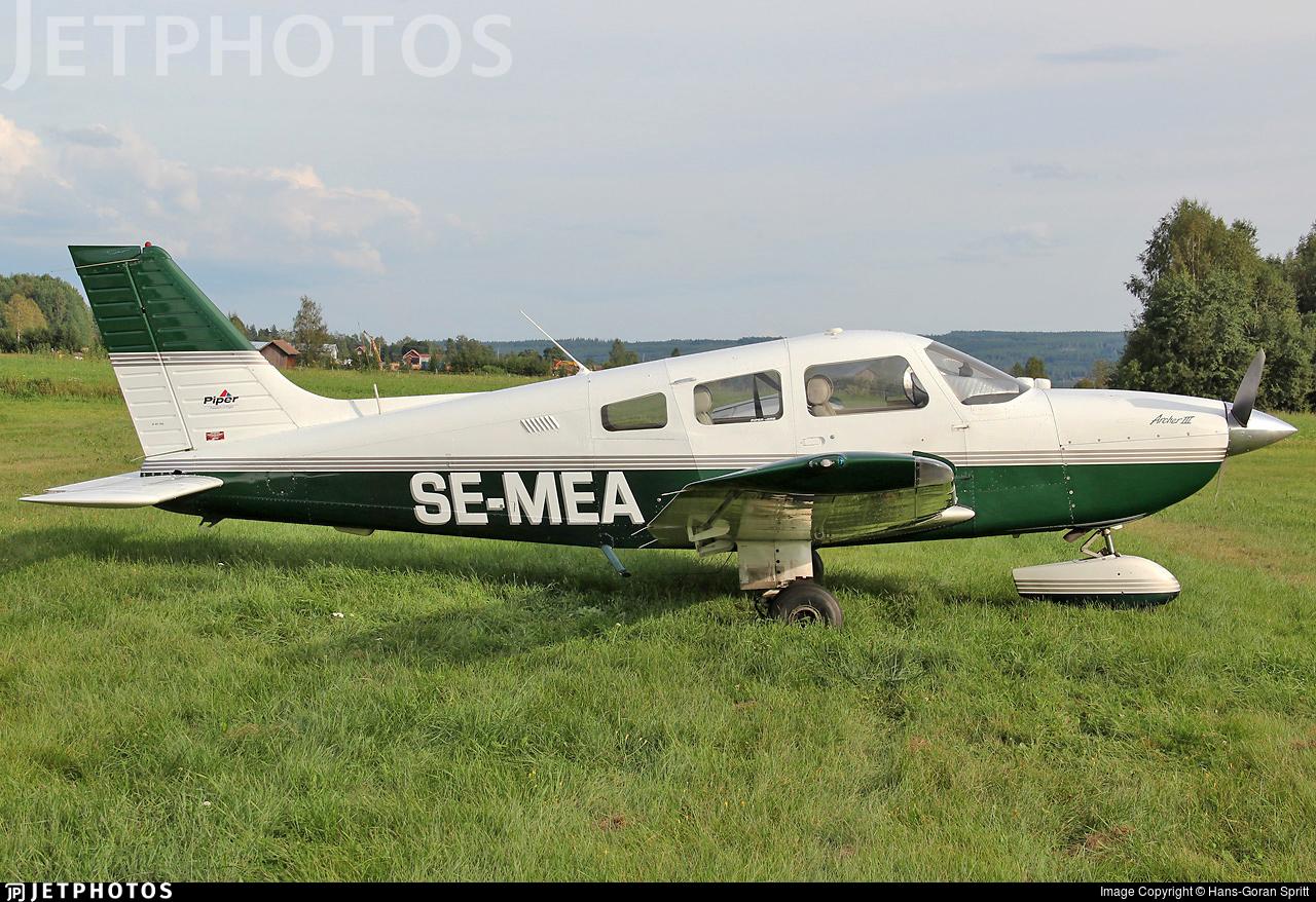 SE-MEA - Piper PA-28-181 Archer III - Private