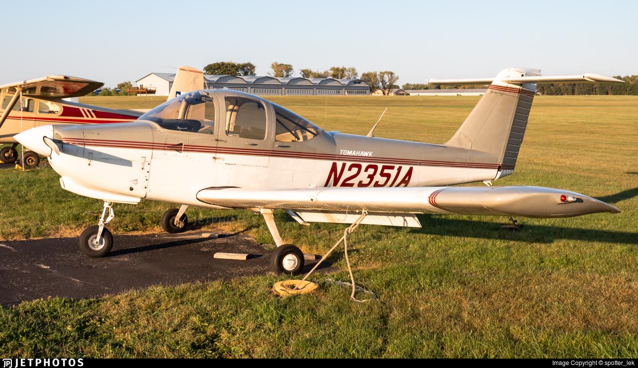N2351A - Piper PA-38-112 Tomahawk - Private