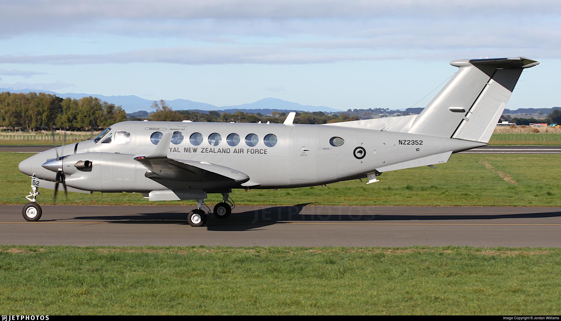 NZ2352 - Beechcraft B300 King Air 350 - New Zealand - Royal New Zealand Air Force (RNZAF)